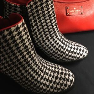 NEW Very Volatile Houndstooth Wedge Whitby Booties